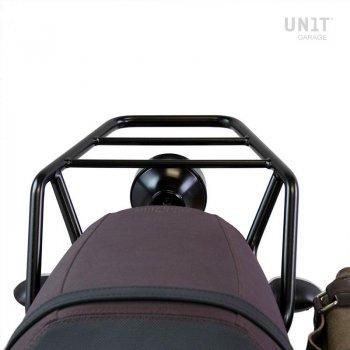 Porte-bagages arrière avec poignées passager